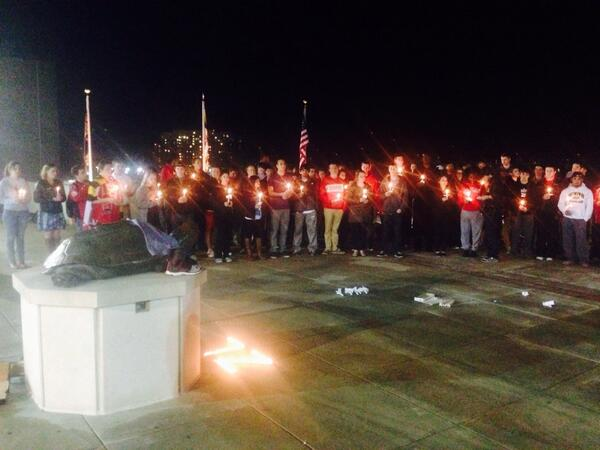 Beautiful RT @UMD_SBS: Students at the University of Maryland gather to present homage to the beloved Zach Lederer. http://t.co/JgzMBlgJ2S