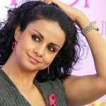 #AAP ups the glamour quotient with @GulPanag http://t.co/SNfFGsrrBR #DanceOfDemocracy http://t.co/VIWVY2VBDd