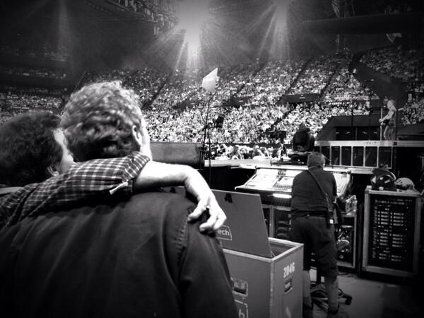 EV and GH watching the Boss.. Brisbane. Learning all we can.. Drinking in every moment.. What a tour.. http://t.co/JeNjvjvDJX