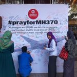 RT @mdazrinmdnazri: At Sogo, everyone sign & pray for #MH370 #PrayForMH370 @501Awani http://t.co/qCyyWA2aDd