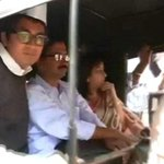 RT @ndtv: AAP chief Arvind Kejriwal travels by autorickshaw during his roadshow in Mumbai http://t.co/IJiEVawuY2