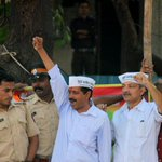 RT @i_sidh: Historic Moments in Mumbai ! @ArvindKejriwal the nations beloved son is in Mumbai!! http://t.co/NgzOcyxV26