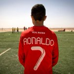 RT @Cristiano: I stand #withSyria. Innocent children need our help. Learn more about @SavetheChildren here http://t.co/kU3uuddXIr http://t.co/SnU5i92Dhm
