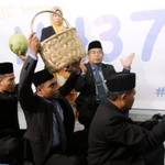RT @HuffPostUK: These men are using coconuts and a magic walking stick to look for missing Flight MH370... http://t.co/StAGNI1s60 http://t.co/4PMhGjQlbB