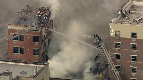 UPDATE: Apparent building explosion in NYC, Metro-North suspended. http://t.co/14aWeMTXmb http://t.co/S8K1mZu537