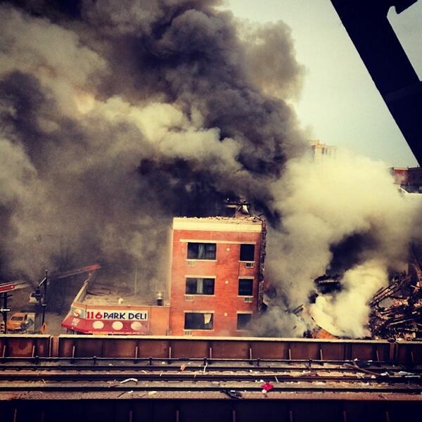 from Instagram user kliina1654 of the upper Manhattan building explosion http://t.co/jdSQARGxrO | http://t.co/FhiJbU7R9s