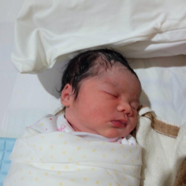 Halo om tante, nama saya Zooey Eleonora Batubara. Om tante namanya capa? http://t.co/HABT1MwQwr