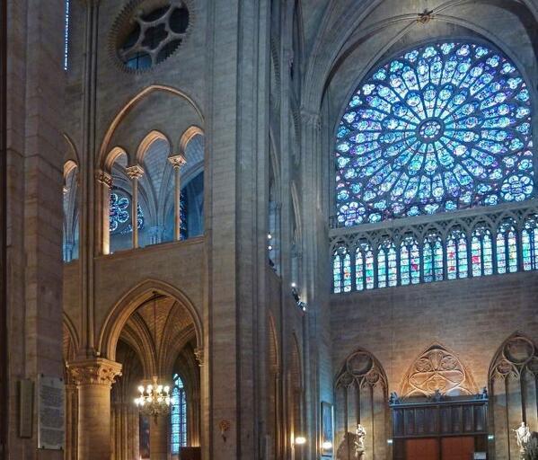 Philips ilumina la Catedral de Notre-Dame de París  http://t.co/SWVej9BEwf http://t.co/2M88zx8KZt