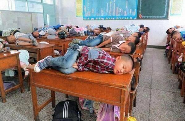 In china teachers allow children to sleep in class for 20 minutes to learn better. http://t.co/jg0Ja1znzK