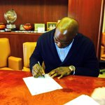 RT @Broncos: RT to welcome 7-time Pro Bowler DeMarcus Ware to the #Broncos! http://t.co/O9ToHo65Vq