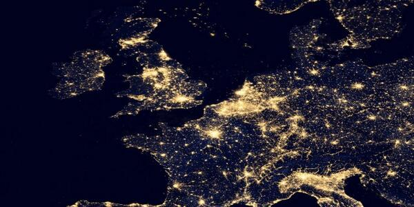 RT @SpaceLive: Here's what the United Kingdom looks like from Space… #SpaceLive http://t.co/K0EYwOfG2Q