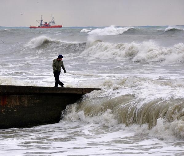 Игры с морем http://t.co/9Ma1MOaqzi