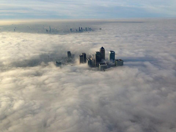 Holy... London this morning! Taken by the Met Police no less. More: http://t.co/B1a47K9W9Q... http://t.co/dzKQuinXn9 http://t.co/ExVrpqZCwr