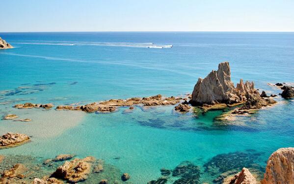 Nuestro Cabo de Gata poco tiene que envidiar a Mauricio o Seychelles o Maldivas... Paraíso perfecto! #Almería #Viajar http://t.co/VOen7Igiy8