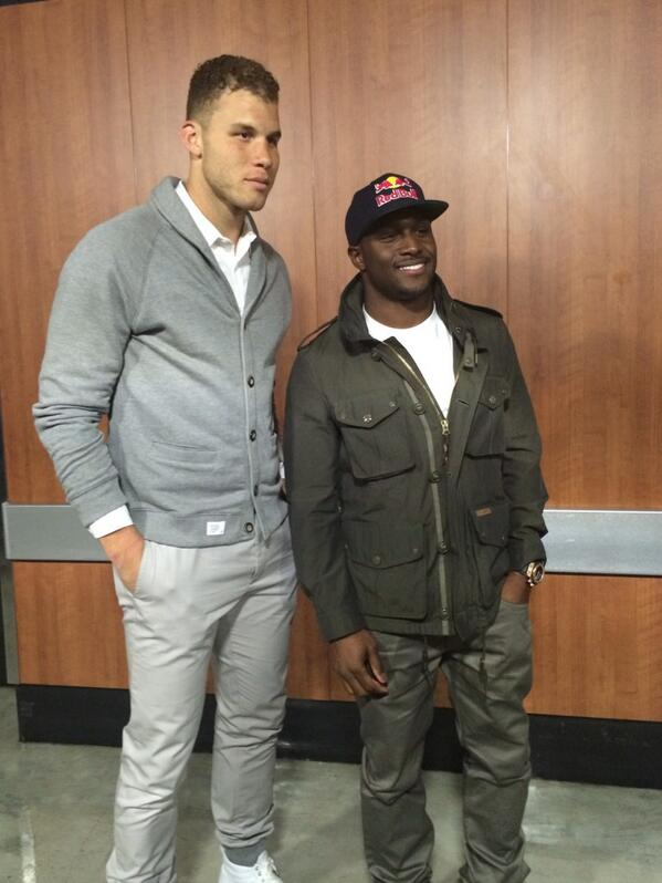@redbullDET @WFLWorldRun @ReggieBush and Blake discussing the #WorldRun http://t.co/mpvTtCZbKl