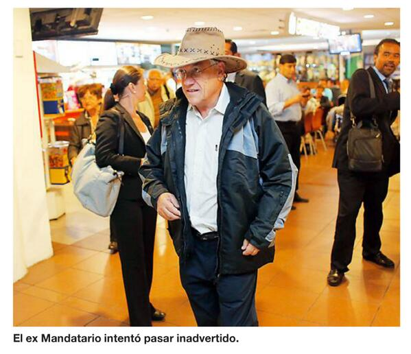 """""""El ex Mandatario intentó pasar inadvertido"""". http://t.co/zy6TuJnLYm"""
