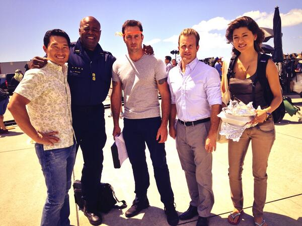 Celebrating H50's season 5 renewal, just in time to prevent Al from auctioning for the next Rambo movie. http://t.co/bPqYhIqob8