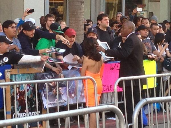 Ming-Na signing autographs like a pro. #CapWorldPremiere http://t.co/DtInSMMdZR