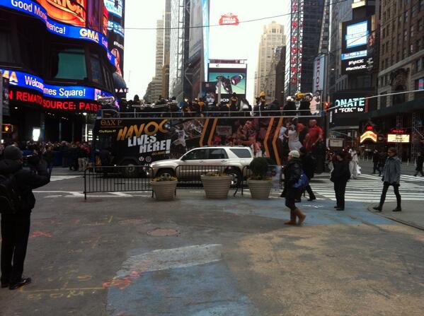 a school band w/ its own bus #badass RT @jeffpearlman: . @vcu marching band bus takes over Times Square. http://t.co/RjQDFIfcbM