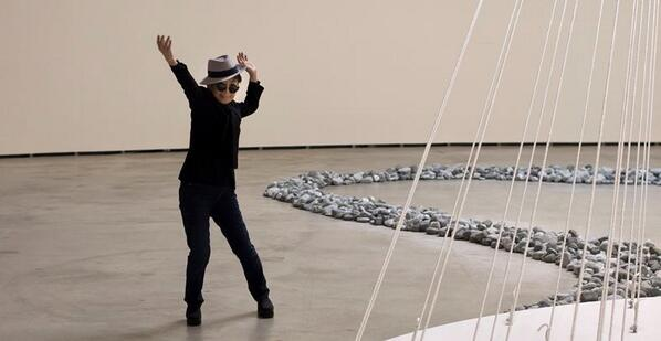Yoko Ono, retrospektif sergisi ile Bilbao Guggenheim'da: http://t.co/2yCFI3lVnx http://t.co/ZjZ2vl4m4J