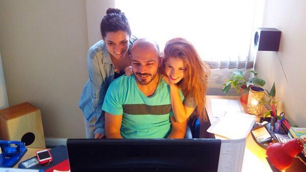 alba rico navarro (@AlbaRicoNavarro): Viendo el nuevo clip de @lodocomello  con @Danobaires y @kndmolfese  he llorado amiga http://t.co/SFHouvQY7r