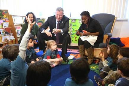 #UPKNYC momentum! @BilldeBlasio visits #UPK class at @UNHNY member agency @SCSNYC. #campaign4children http://t.co/mI5kvyPz2C