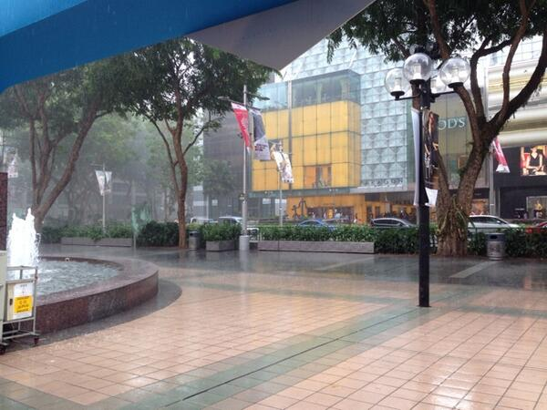 torrential rain at orchard road http://t.co/gPjSjRnUDW