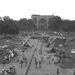1947 :: Humayuns Tomb Refugee Camp during Partition , Delhi http://t.co/9oFKPUUBHE
