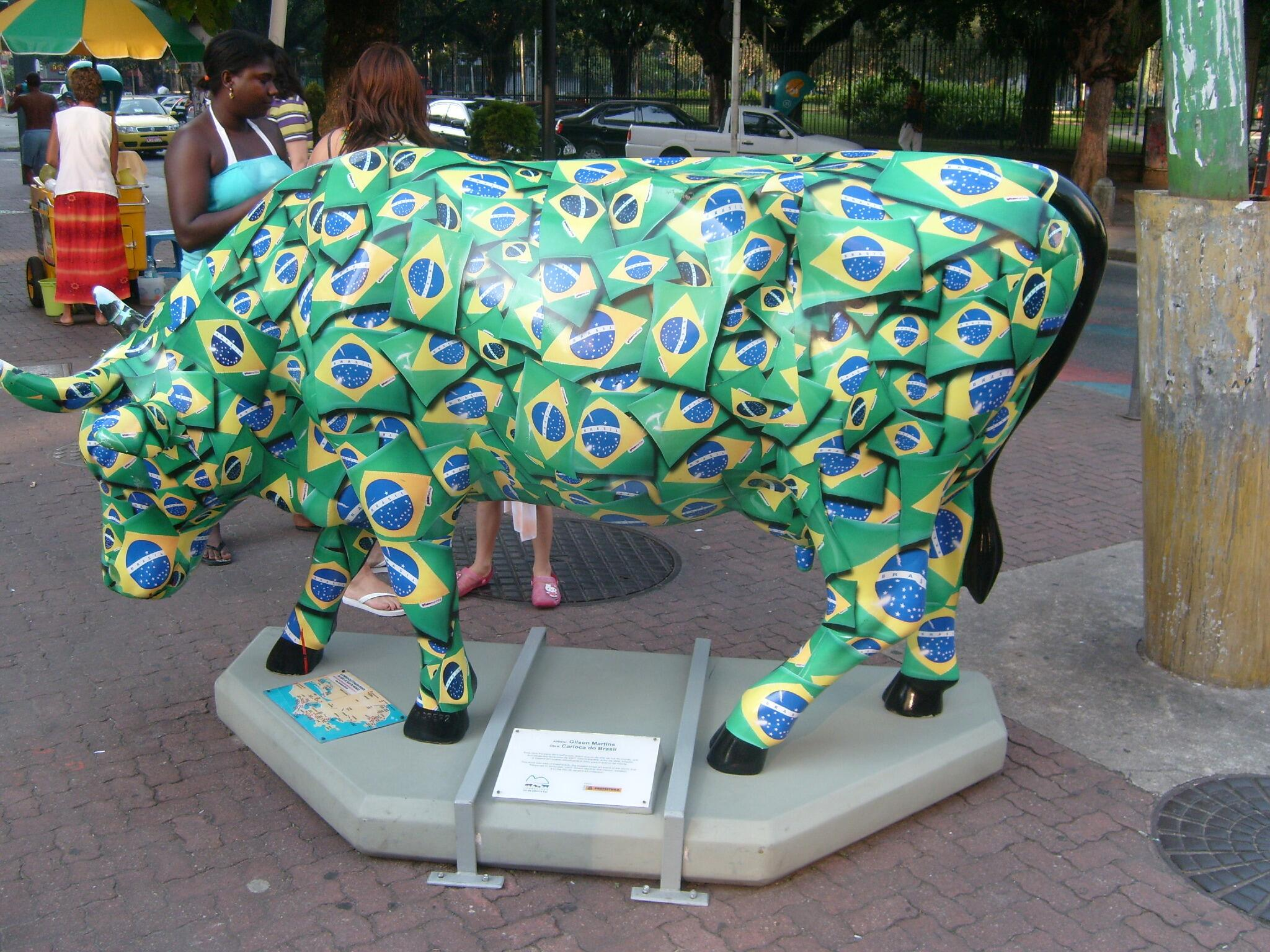 RT @EatSoccerTV: Get ready for sensory overload. Even the cows are more vibrant in Brazil! #WorldCup2014 #travel http://t.co/M5xyoyXwYk