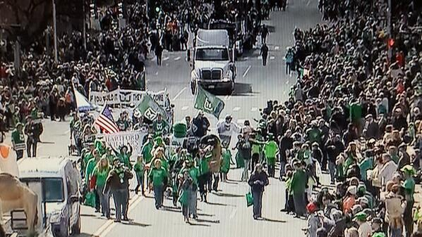 Terrific showing by the Hartford Whalers Booster Club today in Hartford's St. Patrick's Day Parade, as always! http://t.co/Cl4dd5AmcF