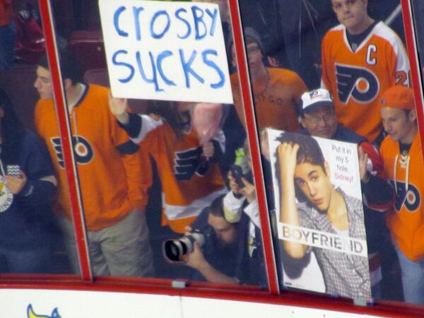 Crosby and Bieber.  #Flyers #penguins http://t.co/RbCIUtvEeF