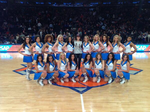 @NYKCityDancers: @emmyrossum Great to meet you at today's @nyknicks game! The #KCD appreciate all your support! http://t.co/OUTF1wMbyX