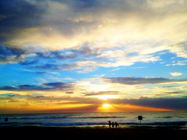 Bronte sunrise!!! http://t.co/lXxvthWs2r