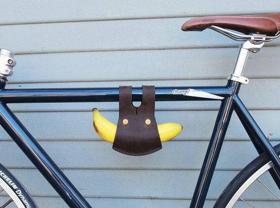 Yes this is a banana holder for a bike: http://t.co/oD9D7dfg35 http://t.co/sfwAzcDcQY