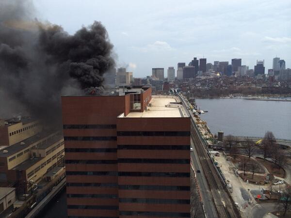 One Main Street in Kendall Sq is on fire right now http://t.co/3w7Ach36IO