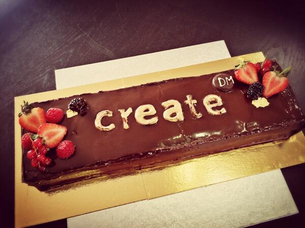 On Sunday we celebrate our 3rd Birthday so our friends at @LaRocheTW made us this amazing cake! #yum http://t.co/Xf9rfyuwhG
