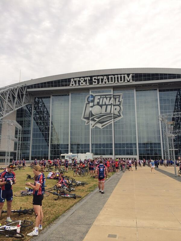 RT @ATTStadium: Riders in today's #R2RTXchallenge finishing their journey at the stadium @DoGoodLiveWell http://t.co/jPVW9P6bVT