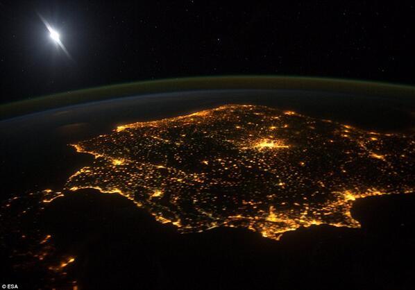 158 países y territorios participarán en la #horadelplaneta: un récord! El mundo se apaga mañana a las 20.30, ¿y tú? http://t.co/SuafBJhHz4