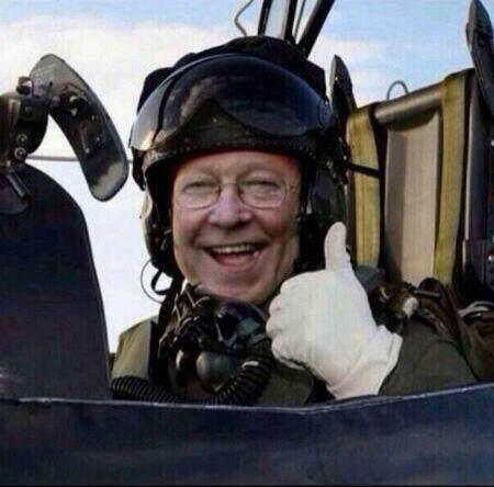 Pilot of the 'Moyes Out' plane & banner flying at United tomorrow has been found. http://t.co/i9MuVRtJj7