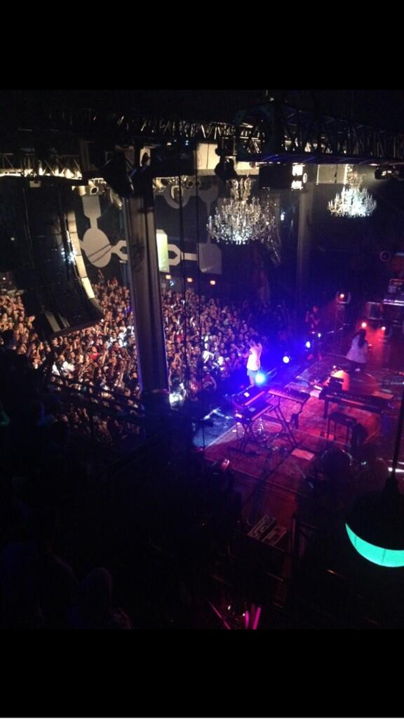 Childish Gambino is so awesome!! Another sold out night. Hope the special ONE users enjoyed meeting him :) http://t.co/wMJWOvOaRI