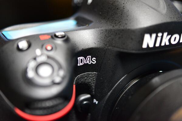 なんだかんだ言って、レンズとD4を放出してD4s! http://t.co/ruMxYVoEri