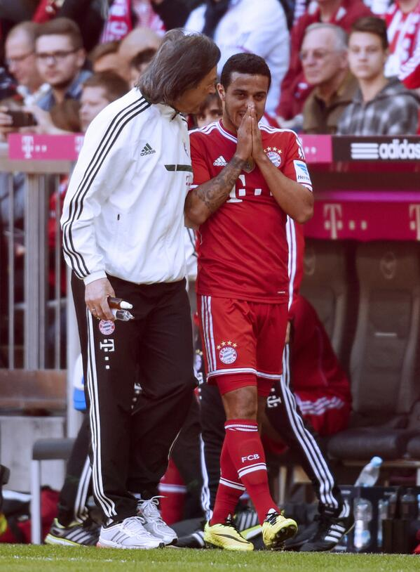 Bj6ImTRCEAArA2a Bayerns Thiago Alcantara suffers knee injury v Hoffenheim, ruled out of both legs v Manchester United