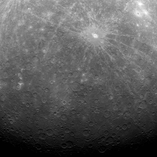 Mercury rises in this first-ever photo taken from a spacecraft in orbit (MESSENGER) #OTD in 2011: http://t.co/DubFQi3mxb