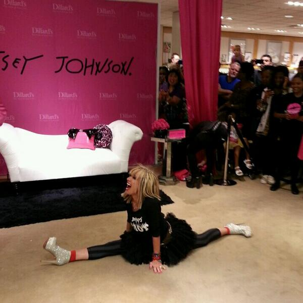 The fabulous @xoBetseyJohnson is here at @DillardsStores! #BetseyheartsDillards  http://t.co/XPx3Gc0lur