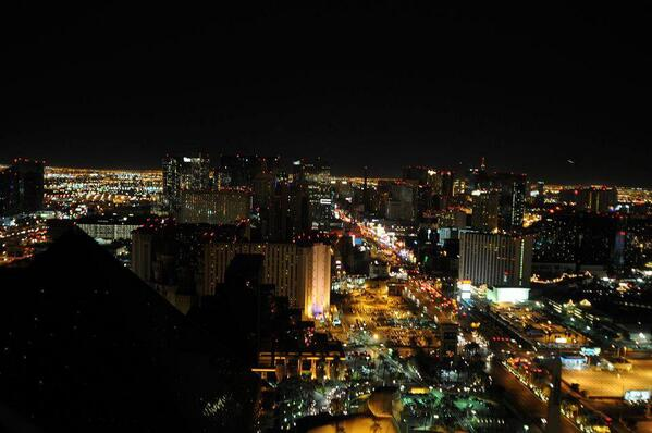 Tonight we'll join the Vegas Strip in going dark for #EarthHour 2014 to support environmental responsibility! http://t.co/bG0EFHmo3i