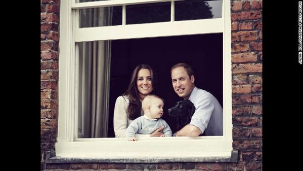 """@cnnbrk: Duke+Duchess release new portrait of Prince George. http://t.co/gTRTzUL7Mg http://t.co/Ej1DZdZIap"" What a brilliant picture!!!!"