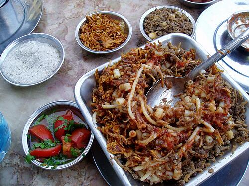 Dear Turks, if you #AnkaradaYavaşİstanbuldaSarıgül tomorrow,  I will send you Koshari from Egypt :D http://t.co/BB54OZoxke