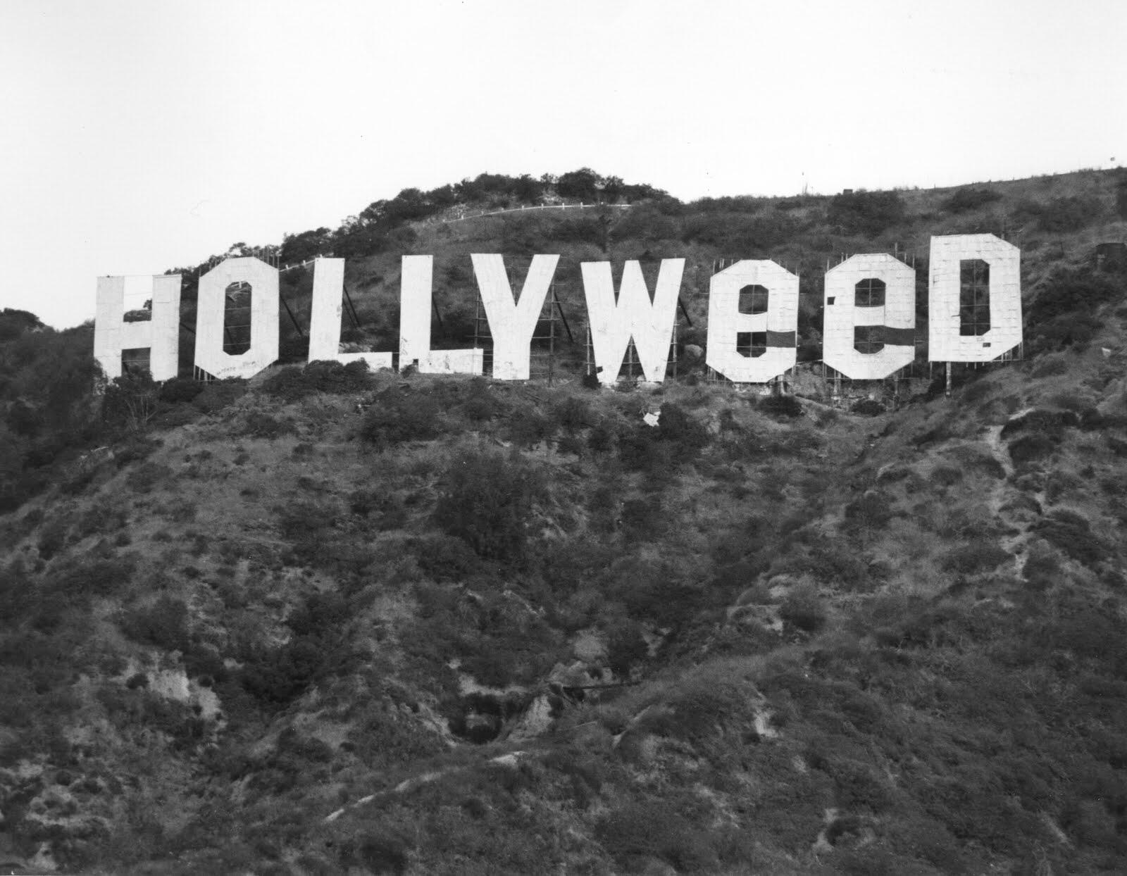On January 1st, 1976, a prankster named Danny Finegood did this to the Hollywood sign. http://t.co/fC8zpX5R5p