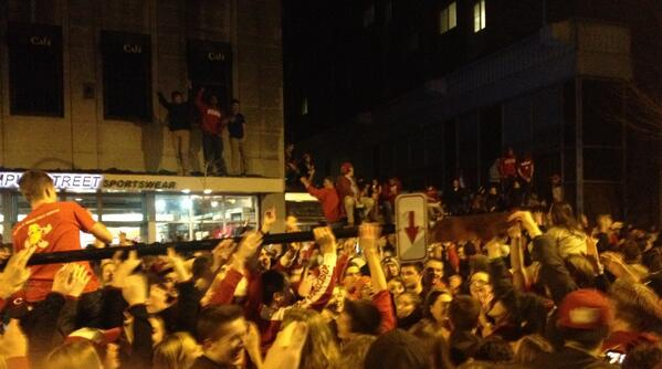State Street crowd has uprooted a traffic sign. #FinalFour http://t.co/vUXQ0dmUrd