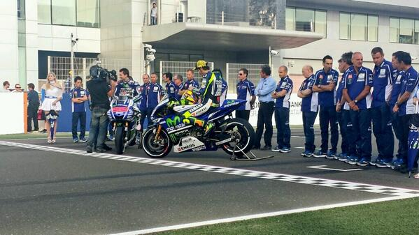 Here it is. The new Movistar Yamaha MotoGP Team colours. Do you like it? http://t.co/LyVvvmTciM